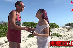 ramon monster se folla a esta chica anal en la playa MUNDOXXX.COM