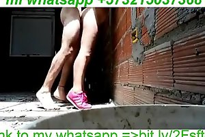 se la meto en el patio a la mujer del vecino  I put my dick in the yard to the neighbor's porn video  wife