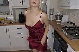 Big boobs Millie downblouse in the kitchen
