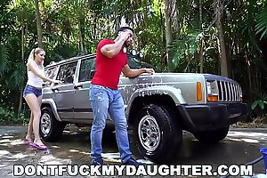 DON&#039_T FUCK MY DAUGHTER - Naughty Teen Sierra Nicole Fucks Carwash Man