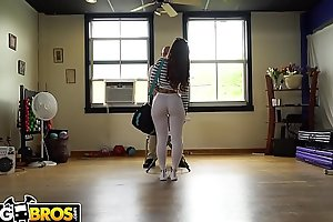 BANGBROS - Kelsi Monroe Auditions For Jmac By Twerking Her Big Ass, But It's porn video  Not Enough