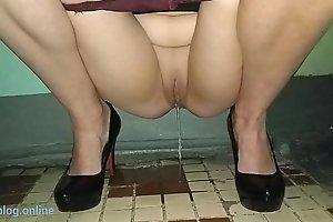 Pissing girl