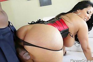 Lexington steele loves thick sarah jay, kiara mia, kelly divine, dayna vendetta,