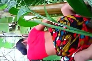 Bangla Bhabhi ki Gaon ke Khet me Chudai