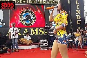 Indonesian titillating dance - good-looking sintya riske dissolute dance above maturity