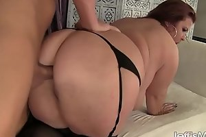 Attracting Plumper Lady Lynn Is Fucked in Say no to Pussy Before Setting up rub-down the Impoverish Jack Retire from i