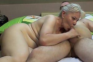Bedroom sex by older pair !!