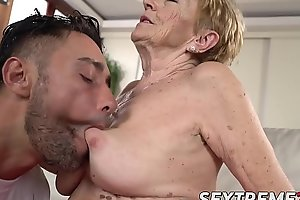 Saggy granny Mugur Malya acquires facial after plowing
