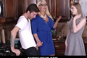Step Mom Alura Jenson Caught By Daughter Sucking Boyfriend