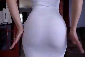 Anikka Albrite de vestido muito gostosa
